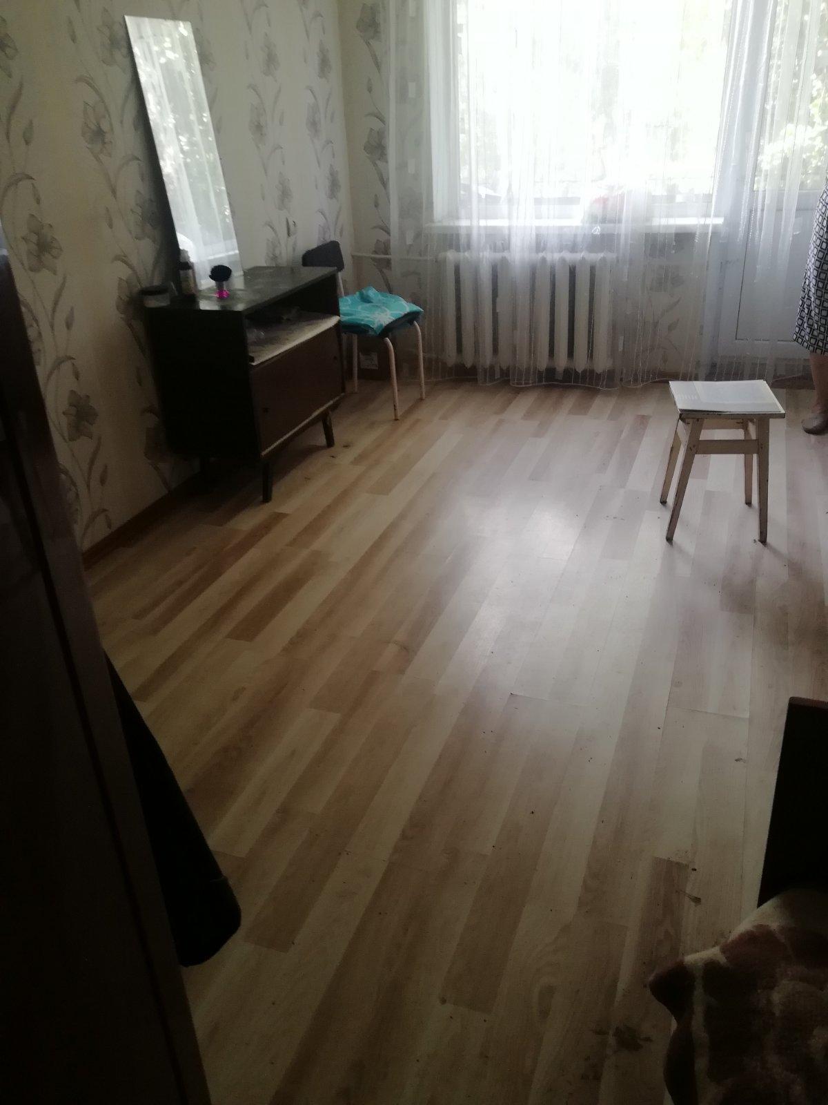 продам 1 комнату в 2х комнатной квартире по Революционной 32